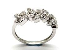 Anillo de oro y diamantes AN140986