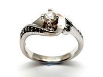 Anillo de oro y diamantes AN1464667
