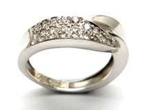 Anillo de oro y diamantes AN146830
