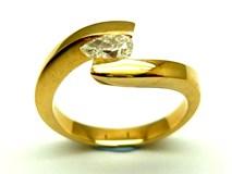 Anillo de oro y diamantes AN2400051