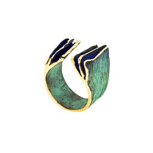 Anillo de Fili Plaza, en bronce patinado en verde y azul, abierto y amoldable FP A58-BVA