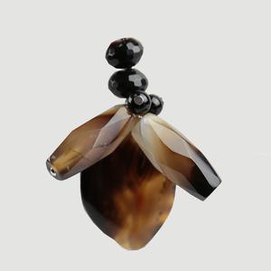 Colgante bumblebee de ágata natural y onix C258 Patricia Garcia