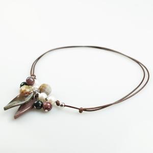 Colgante cordón marrón  con perlas y ágata india BUC262 Patricia Garcia