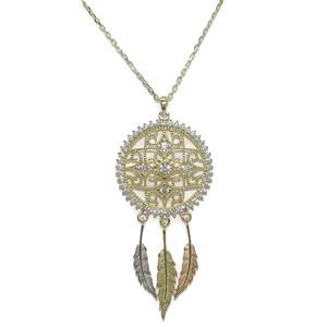 Collar Atrapasueños de Oro Tricolor con circonitas y Cadena Forzada 2.10cm de diámetro y 3 Plumas Never say never