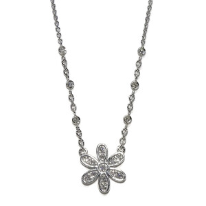 Collar con 0.28cts de Diamantes engastados en una Flor  Never say never