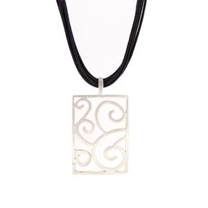 Collar con colgante rectangular  15H7-1 Stradda
