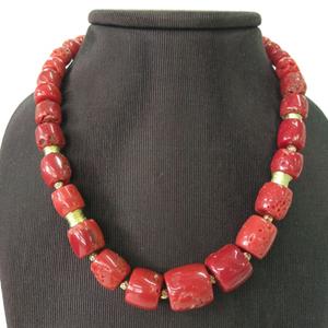 Collar coral rojo de cerdeña, con motivos en oro 18 kt Cresber