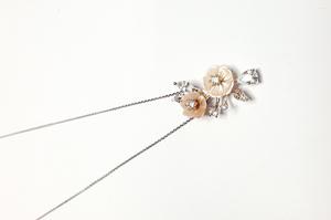 Collar gargantilla de plata rodiada con colgante de flor - Artesanal - pber33921