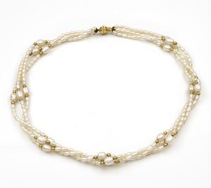 Collar gargantilla formado por tres vueltas de perlitas cultivadas Fresh Water 3570/229