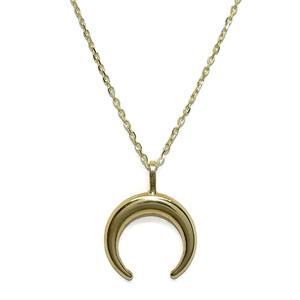 Collar oro amarillo de 18kts con media luna pequeña también de oro amarillo de 18k. 40cm Never say never