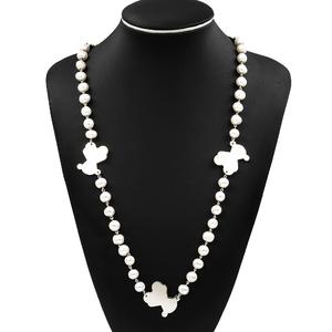 Collar realizado en plata de ley 925/1000 con perlas fresh wáter de agua dulce  de entre 10 mm y 11,50 mm