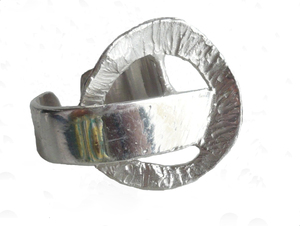 Anillo abierto e ajustable, en plata. Medida contorno de dedo ajustable del nº12 al nº20 FP A29-P Fili Plaza