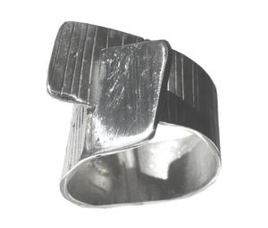 Anillo en plata de la colección Caminos. Medida contorno de dedo nº18 FP A47-P Fili Plaza