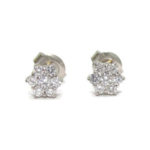 Pendientes con diamantes de 0.45cts flor de 6mm  Never say never