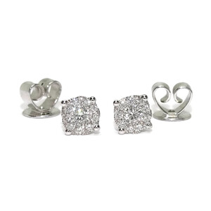 Pendientes de diamantes de 0.26cts en oro blanco de 18k con engaste invisible y cierre presión. 5mm  Never say never