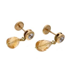 Pendientes largos realizado en oro amarillo de 750 milésimas (18kt) con Cuarzo Citrino forma de pera y en la parte superior un chatón con circonita, con cierre de rosca