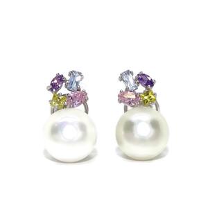 Pendientes oro blanco 18k y perlas de 11mm con circonitas de color y cierre omega Never say never