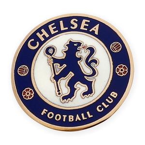 Pin con motivo del Chelsea F.C. realizado en oro amarillo de 750 milésimas (18kt) con esmalte de los colores del equipo