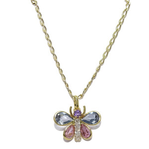 Precioso colgante de mariposa de oro de 18k con circonitas Never say never