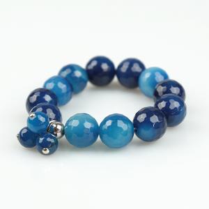 Pulsera elástica de ágata azul y charms PU189B Patricia Garcia