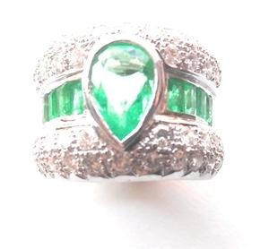 Sortija Esmeraldas y Diamantes en Oro Blanco 18 k