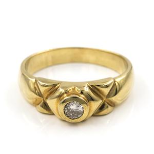 Sortija realizada en oro amarillo de 750 milésimas (18kt) con un diamante central talla brillante  R/6703