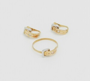Combinado Sortija y pendientes de oro bicolor