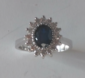 Sortija zafiro y Diamantes Oro 18k