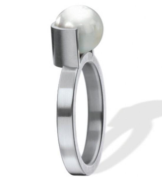 Anillo 011352GXXAnillo para mujer acero quirúrgico con perla cultivada de Xen