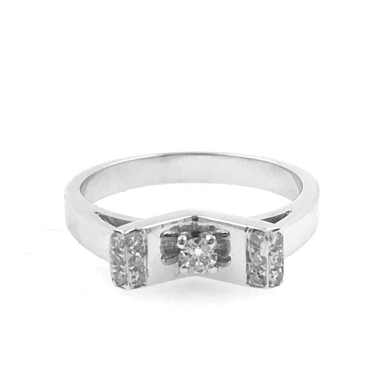 a1ca26e7043f Anillo oro blanco con diamantes 0
