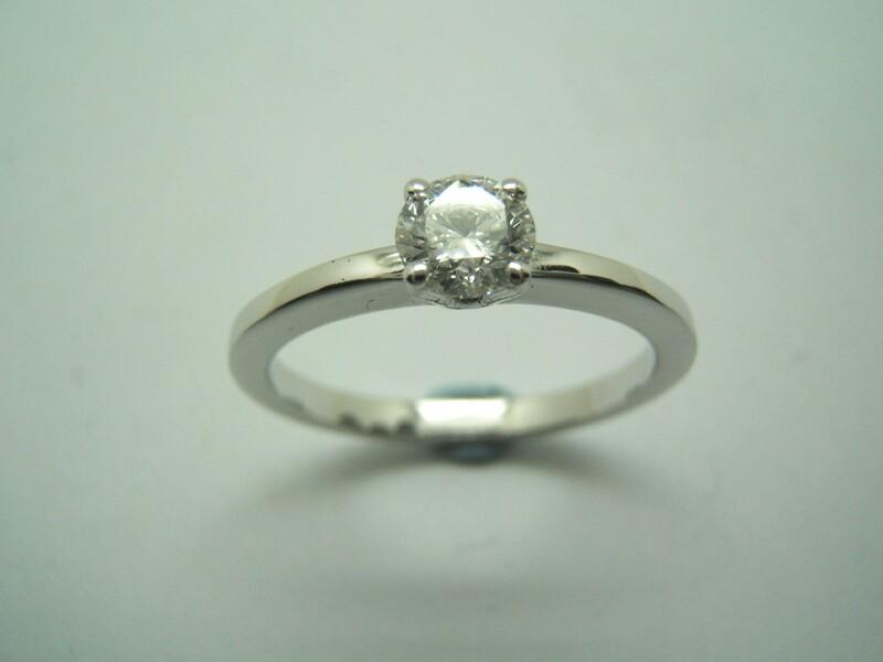 anillo solitario con Diamante B-79