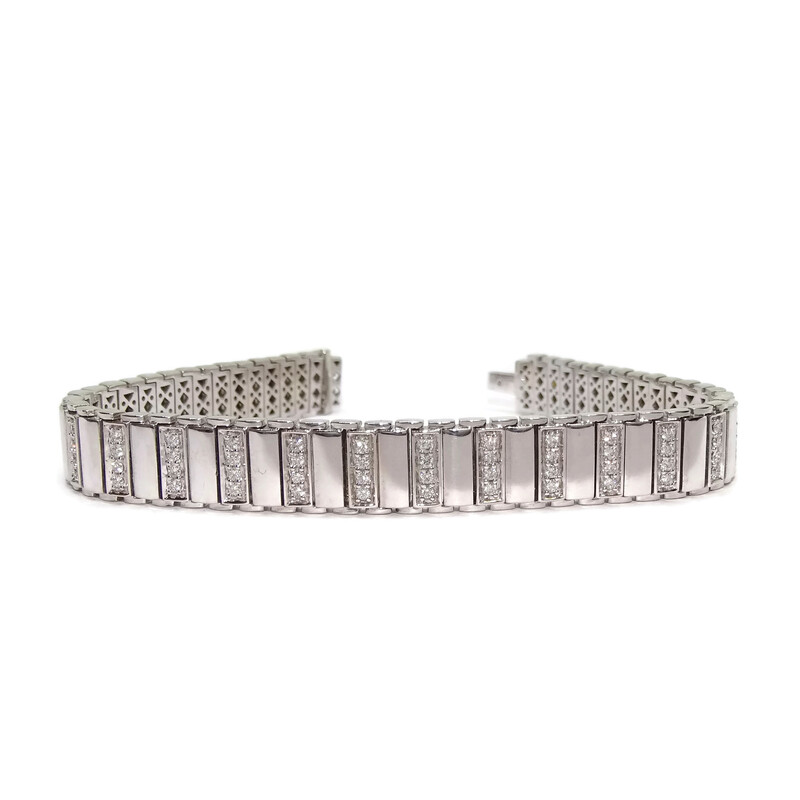 Brazalete semirrígido con 1.41cts de diamantes en oro blanco de 18k muy fuerte.  Never say never