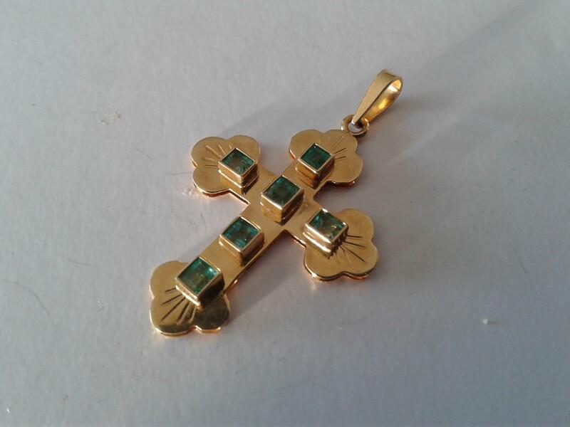 Cruz esmeraldas  y  Oro 18kilates