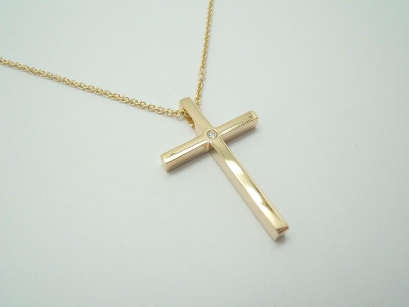 Cruz de oro amarillo i diamante con cadena C-177 B-79