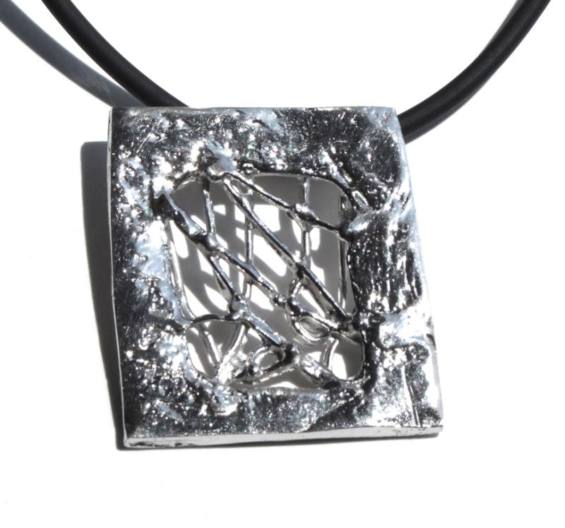 Colgante en plata, de la colección Transparencias. 4,5 X 4 cm FP C31-P Fili Plaza
