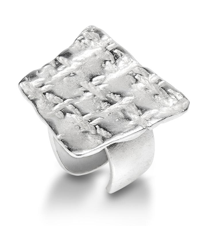 Anillo abierto e amoldable en plata. Medida contorno ajustable del nº 9 al nº 16 FP A56-P Fili Plaza