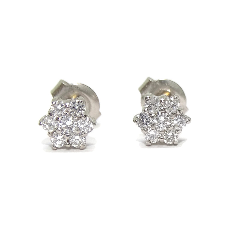 Pendientes con diamantes de 0.45cts flor de 6mm  Never say never