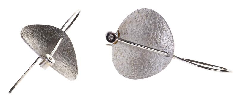 Pendientes Plata y diamante Albert Pons ovalo texturado AR790PL