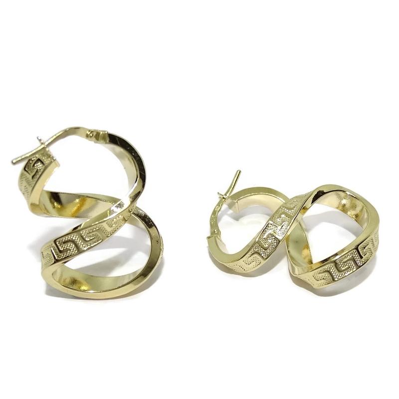 1809d1439cf0 Pendientes aros de oro amarillo de 18k con greca y forma de infinito. 2.90cm