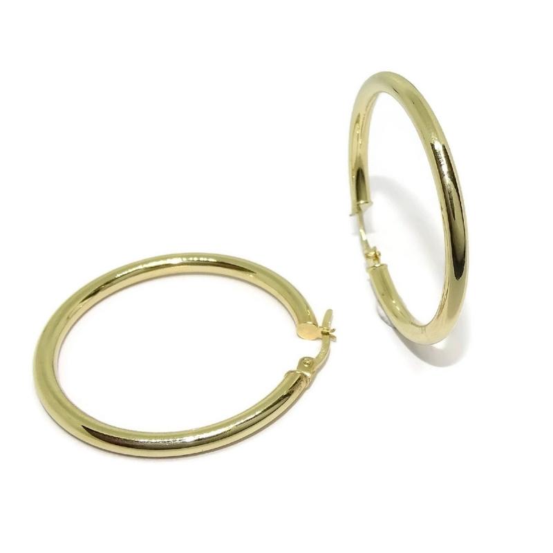 5b6a163a7a97 Pendientes Aros de oro amarillo de 18Ktes de tubo redondo de 3mm de ancho  por 3.5. Cargando zoom