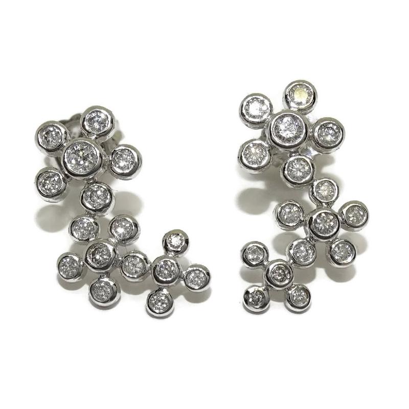 e4f0e9a89db7 Pendientes para novias de 0.45cts de diamantes y oro blanco de 18kts. Largo  2cm