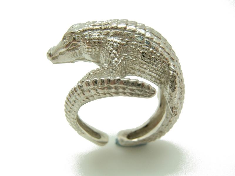 anillo plata cocodrilo