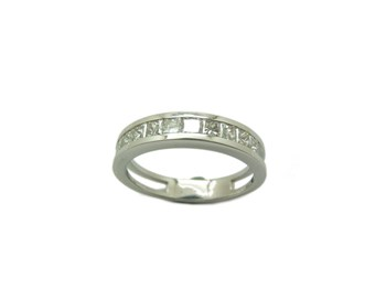 Alliance, bague or blanc et diamants. A-414 B-79