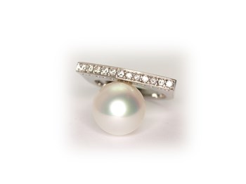 Ring with Pearl and brilliant Australian