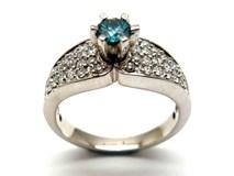 Anillo de oro y diamantes AN1402397