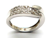 RING OF GOLD AND DIAMONDS AN146830