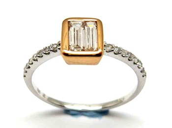 Anillo de oro y diamantes AN3200424