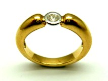 Anillo de oro y diamantes AN3200509