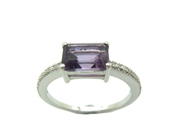 WHITE GOLD AMETHYST AND DIAMOND RING B-79 A-418