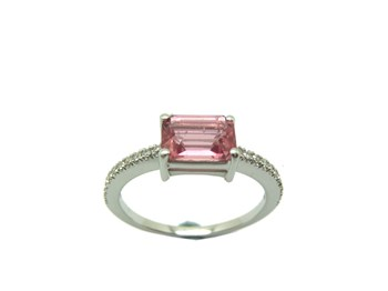 RING GOLD RUBELLITE WHITE AND DIAMONDS B-79 A-417